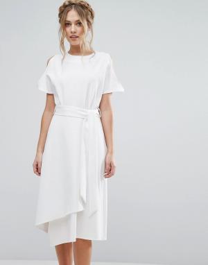 Closet London Платье миди с открытыми плечами и юбкой запахом. Цвет: белый