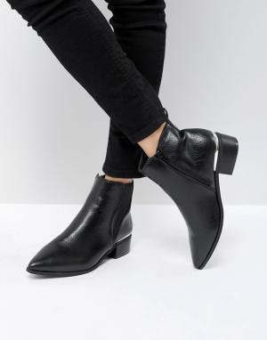 London Rebel Ботинки челси с металлической отделкой. Цвет: черный