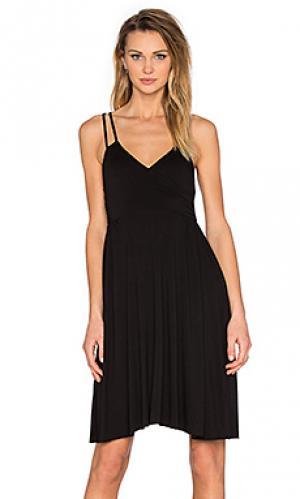 Платье с запахом асимметричный подол LA Made. Цвет: черный