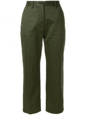 Укороченные прямые брюки Pence. Цвет: зелёный