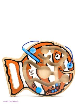 Игрушка деревянная Рыбка HAPE. Цвет: рыжий, черный