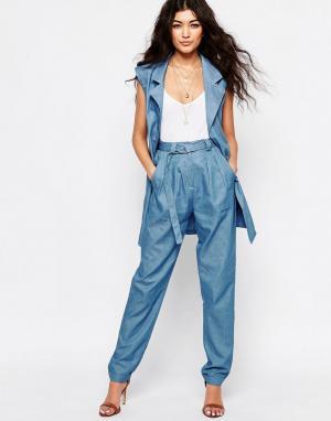 Never Fully Dressed Свободные брюки из ткани шамбре с поясом и D-образным кольцом Fu. Цвет: синий
