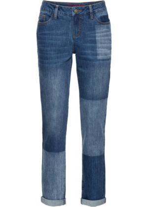 Джинсы мужского фасона с имитацией заплаток (синий) bonprix. Цвет: синий