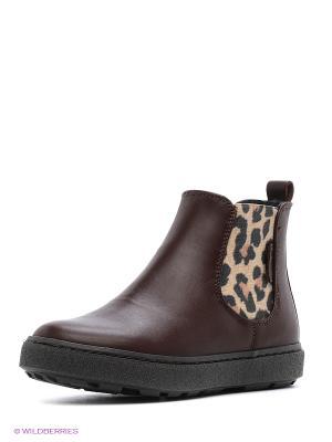 Ботинки GUESS. Цвет: коричневый