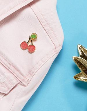 Skinnydip Значок в форме вишни. Цвет: мульти