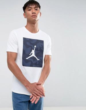 Jordan Белая футболка с камуфляжным принтом Nike 925809-100. Цвет: белый