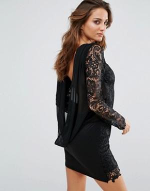 Club L Платье с ажурными рукавами и свободным воротом сзади. Цвет: черный