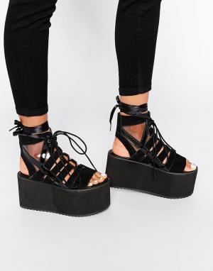 YRU Массивные сандалии на платформе Medusa. Цвет: черный