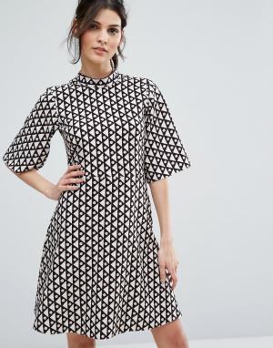 Closet London Свободное платье с высоким воротником. Цвет: мульти