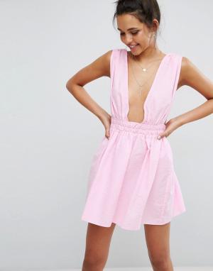 ASOS Пляжное короткое приталенное платье из легкой жатой ткани. Цвет: розовый