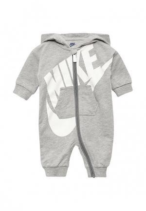 Комбинезон Nike. Цвет: серый