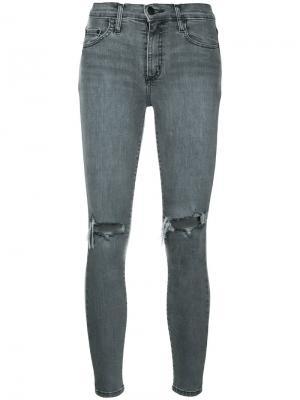 Облегающие укороченные джинсы Cult Nobody Denim. Цвет: серый