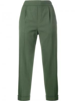 Зауженные брюки Vince. Цвет: зелёный
