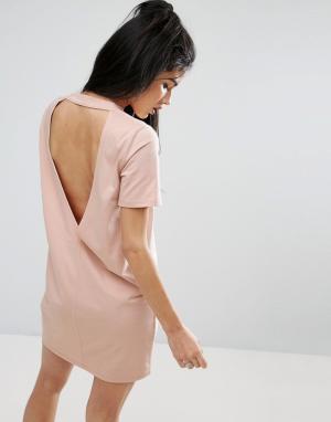 ASOS Платье-футболка с глубоким V-образным вырезом на спине. Цвет: розовый