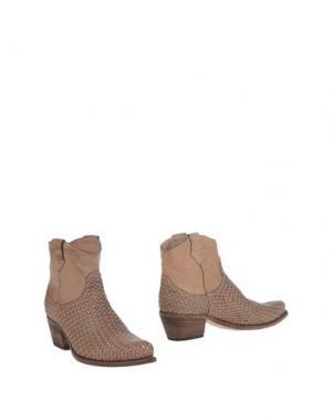 Полусапоги и высокие ботинки LENA MILOS. Цвет: песочный