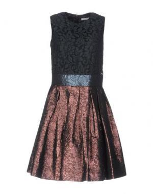Короткое платье JUST IN CASE. Цвет: темно-зеленый