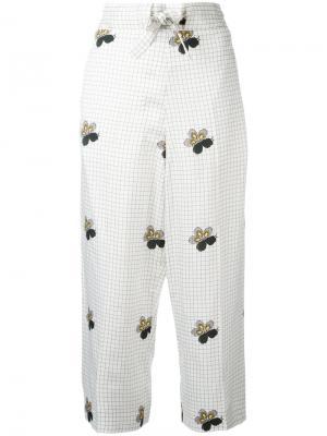 Укороченные брюки в клетку Victoria Beckham. Цвет: белый