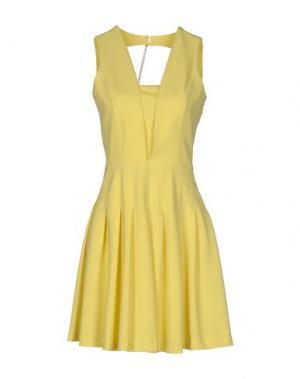 Короткое платье LA KORE. Цвет: желтый