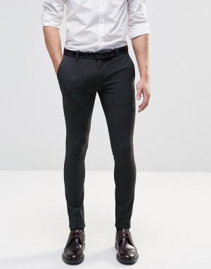 ASOS Темно-серые строгие брюки супероблегающего кроя. Цвет: серый