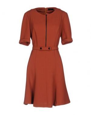 Короткое платье MALAICA. Цвет: ржаво-коричневый