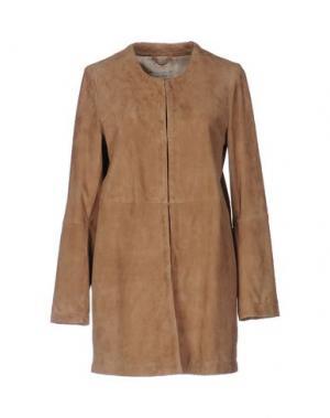 Легкое пальто OLIVIERI. Цвет: бежевый