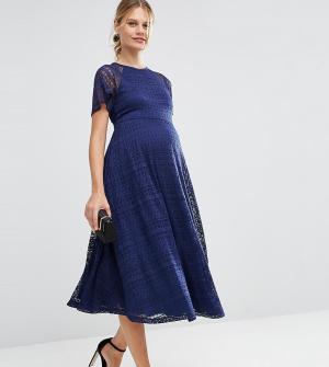 ASOS Maternity Кружевное платье миди для беременных с рукавами-бабочка. Цвет: синий