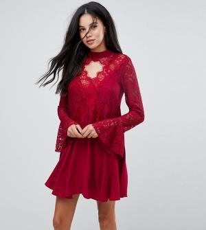 Kiss The Sky Tall Свободное платье с кружевной вставкой и чокером. Цвет: красный