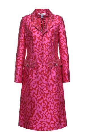 Приталенное пальто с накладными карманами и контрастным принтом Oscar de la Renta. Цвет: розовый