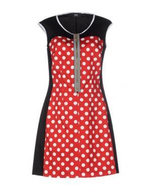 Короткое платье TO-MAY. Цвет: красный
