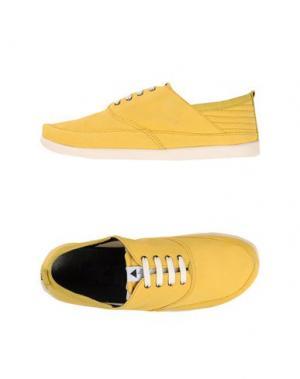 Обувь на шнурках VOLTA. Цвет: желтый