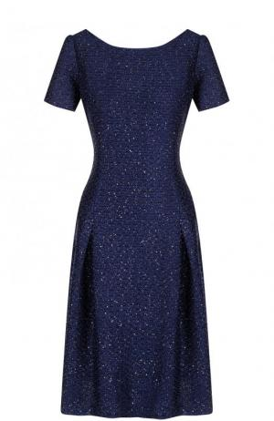 Приталенное платье-миди с круглым вырезом и коротким рукавом St. John. Цвет: темно-синий