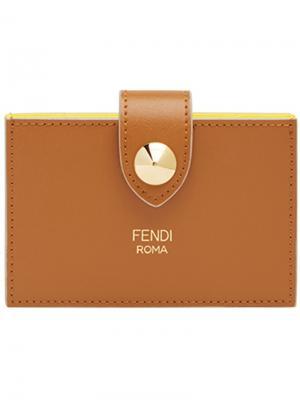 Кошелек-визитница на кнопке Fendi. Цвет: коричневый