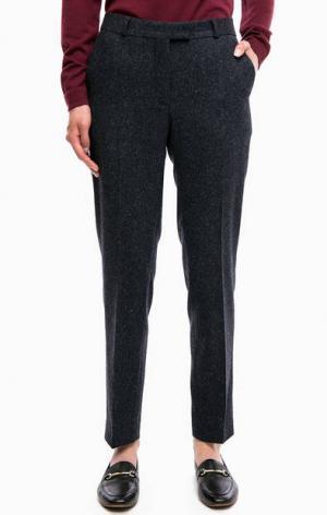 Зауженные брюки с застежкой на молнию, пуговицу и два крючка Gant. Цвет: синий