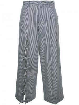 Укороченные брюки с завязками Facetasm. Цвет: синий