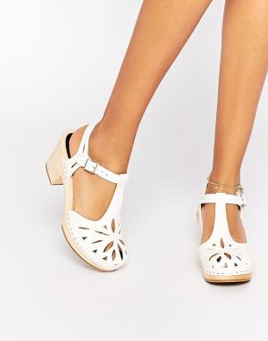 Swedish Hasbeens Белые кожаные сандалии Lacy. Цвет: белый