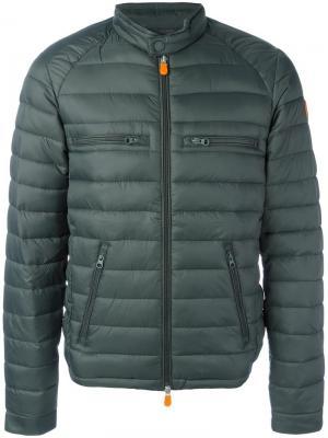 Дутая куртка с карманами на молнии Save The Duck. Цвет: зелёный