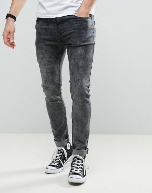 Liquor N Poker Зауженные джинсы с эффектом кислотной стирки. Цвет: серый