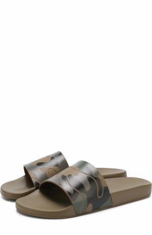 Резиновые шлепанцы  Garavani с камуфляжным принтом Valentino. Цвет: хаки