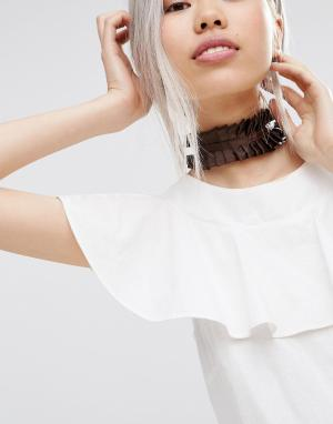 ASOS Ожерелье-чокер в виде широкой оборки. Цвет: коричневый
