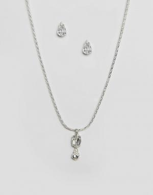 Krystal Ожерелье и серьги с кристаллами Swarovski. Цвет: серебряный