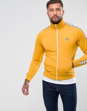 Fred Perry Желтая спортивная куртка Laurel Wreath. Цвет: желтый