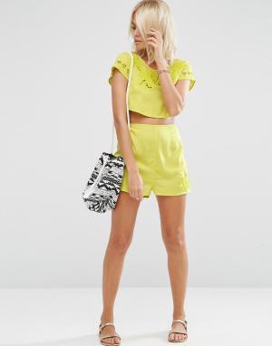 ASOS Пляжные шорты с вышивкой и вырезным узором Bali Co-ord. Цвет: зеленый