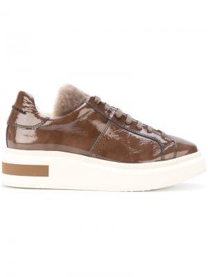 Кроссовки на контрастной платформе Manuel Barceló. Цвет: коричневый