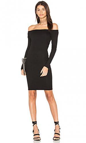 Мини платье в рубчик с открытыми плечами Enza Costa. Цвет: черный