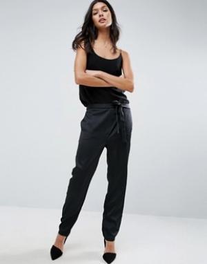 ASOS Атласные брюки-галифе с завязкой Premium. Цвет: черный