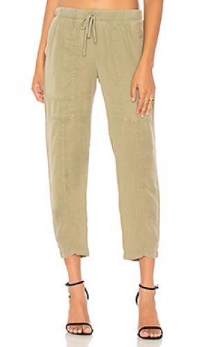 Практичные брюки Bella Dahl. Цвет: оливковый
