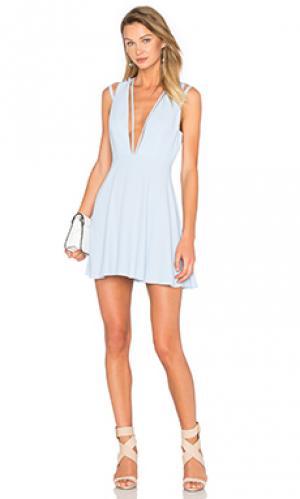 Приталенное и расклешенное платье no secrets NBD. Цвет: синий