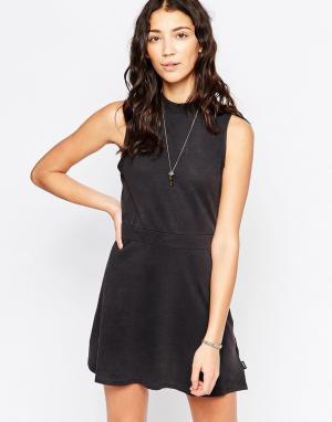RVCA Короткое приталенное платье без рукавов. Цвет: черный