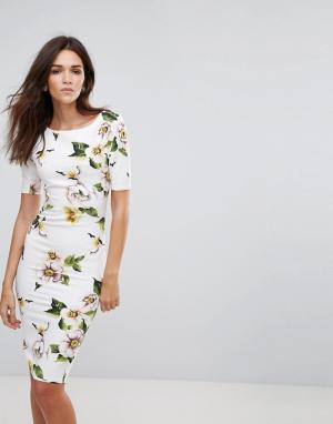 AX Paris Платье-футляр с рукавами длиной 3/4. Цвет: кремовый