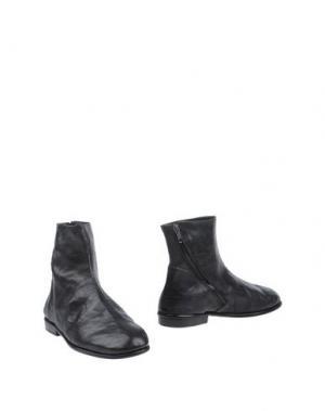 Полусапоги и высокие ботинки KUDETÀ. Цвет: черный